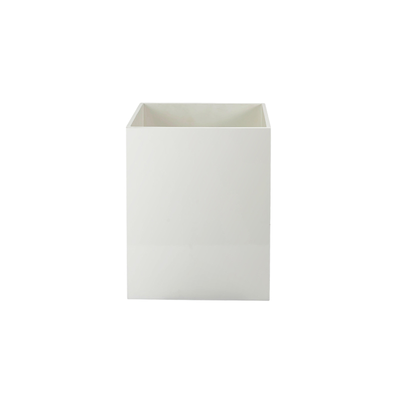White Matt Lacquered Trash BinNone