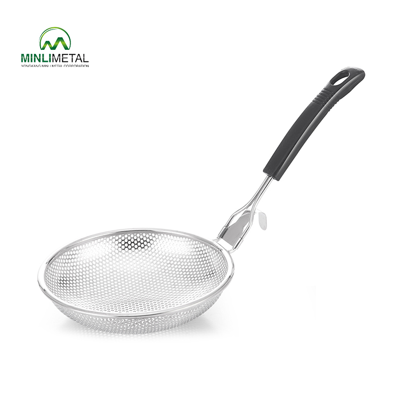 S/S Punching Strainer with Plastic    Handle