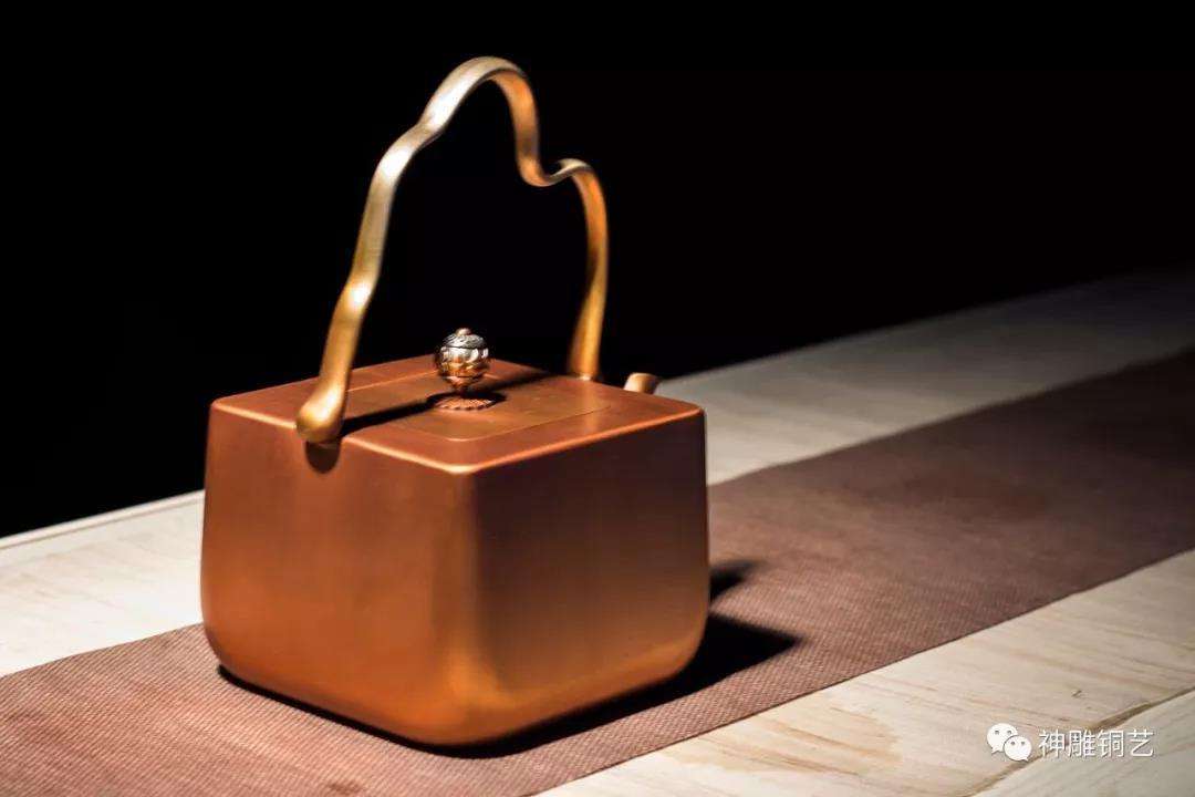 铜壶保养秘笈︱教您如何开壶、去味、养壶