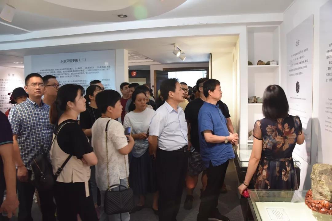 桐乡市传统工艺美术行业协会一行考察神雕铜文化博物馆
