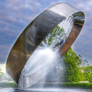 不銹鋼噴泉雕塑