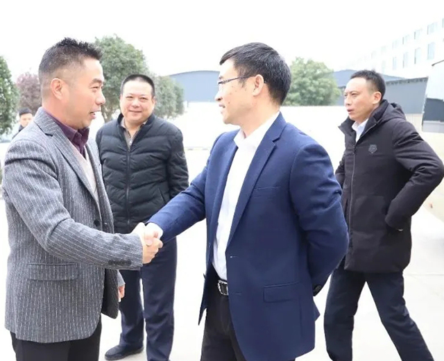 Secretary of the Municipal Party Committee Zhang Xusheng came to Feijian's new factory to help enterprises solve their problems