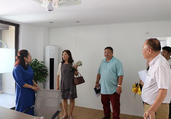 吉阳区委统战部赴三亚云港 就筹建区总商会与园区企业开展座谈