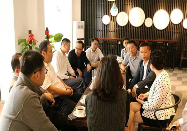 云港咖啡开业,为创客提供低成本办公交流平台