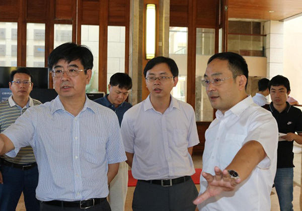 吴岩峻市长到三亚云港园区调研:打好大数据牌 加快园区发展