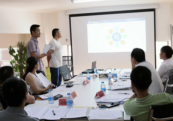 三亚市青年创业孵化基地(云港)入孵评审会在三亚云港园区举行