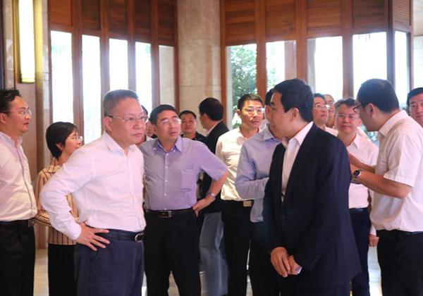 沈晓明率省政府领导班子集体调研三亚,在三亚高新技术产业园考察互联网产业