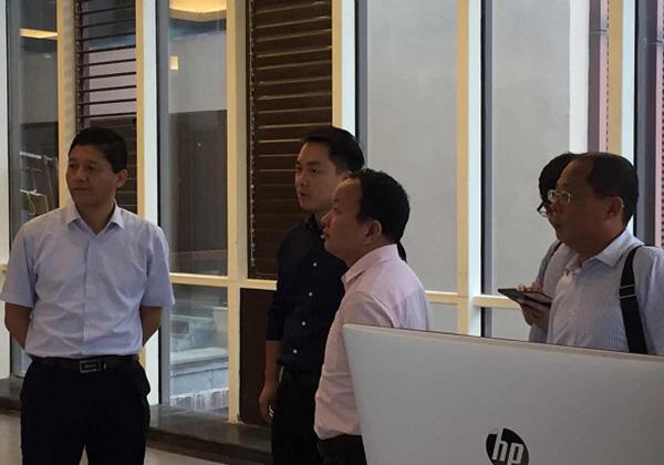 海南省工信厅中小企业处李元兴调研员一行考察云港产业园区
