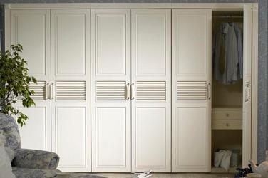 實木衣柜廠家盤點實木衣柜三大主材