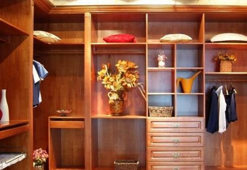 實木衣柜定做價格與風格有什么關系