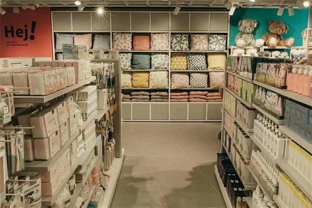 YOYOSO快时尚百货加盟品牌祝YOYOSO哥伦比亚门店开业大吉,生意兴隆!