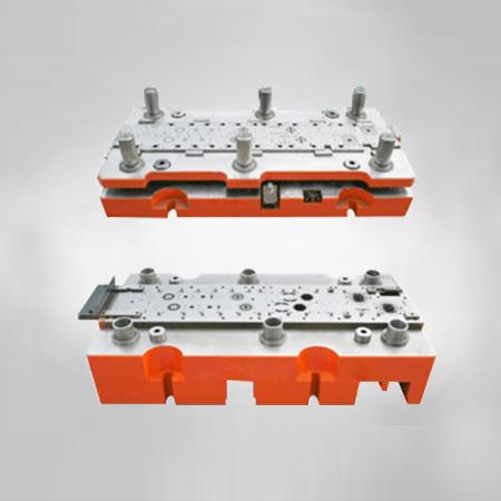 φ72串激电机铁芯级进模